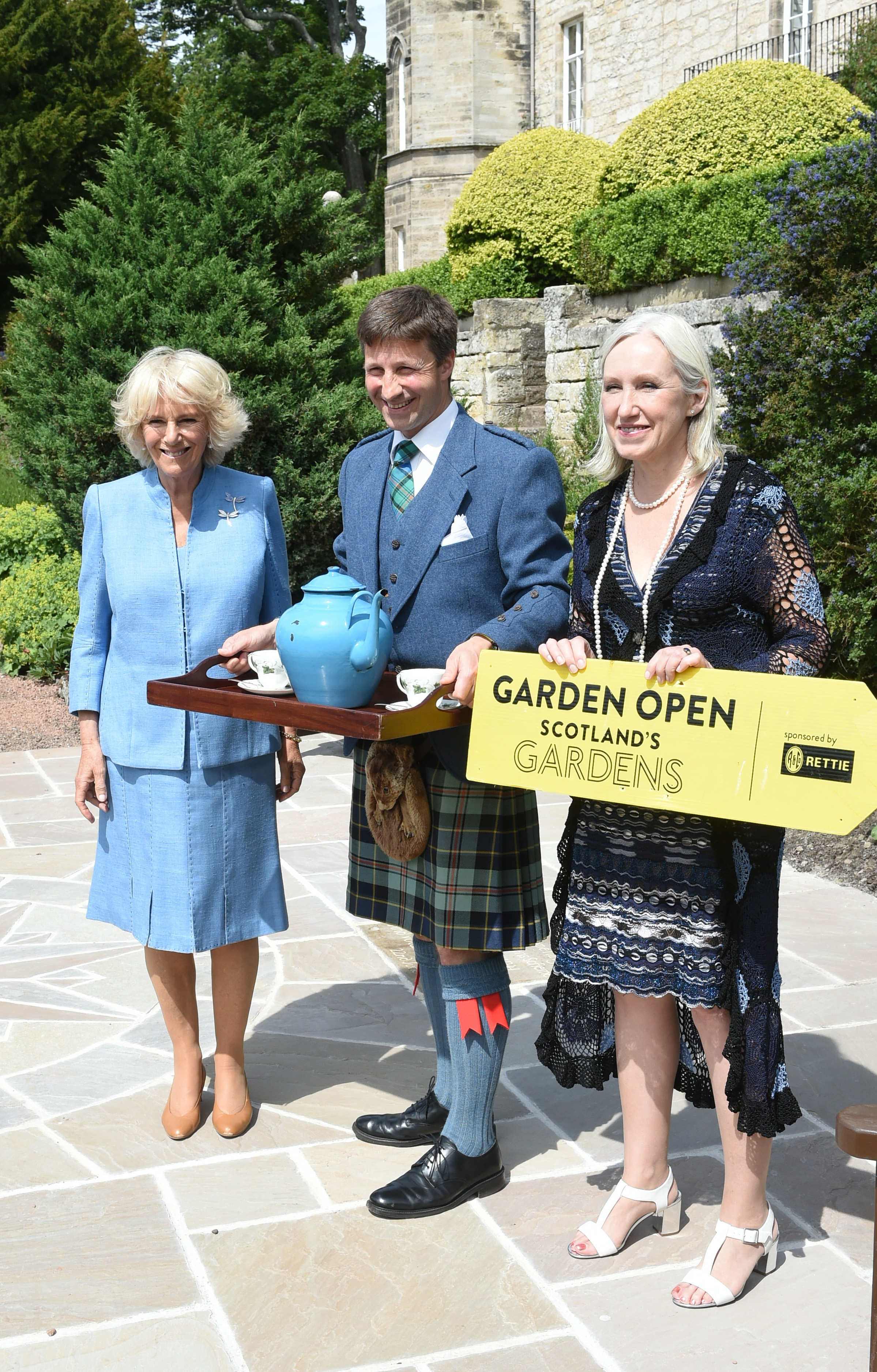 Scottish Gardens Scheme Garden Party 2016_Winton Castle_HRH Duchess of Rothesay_Francis Ogilvy_Terrill Dobson from Scotlands Gardens19