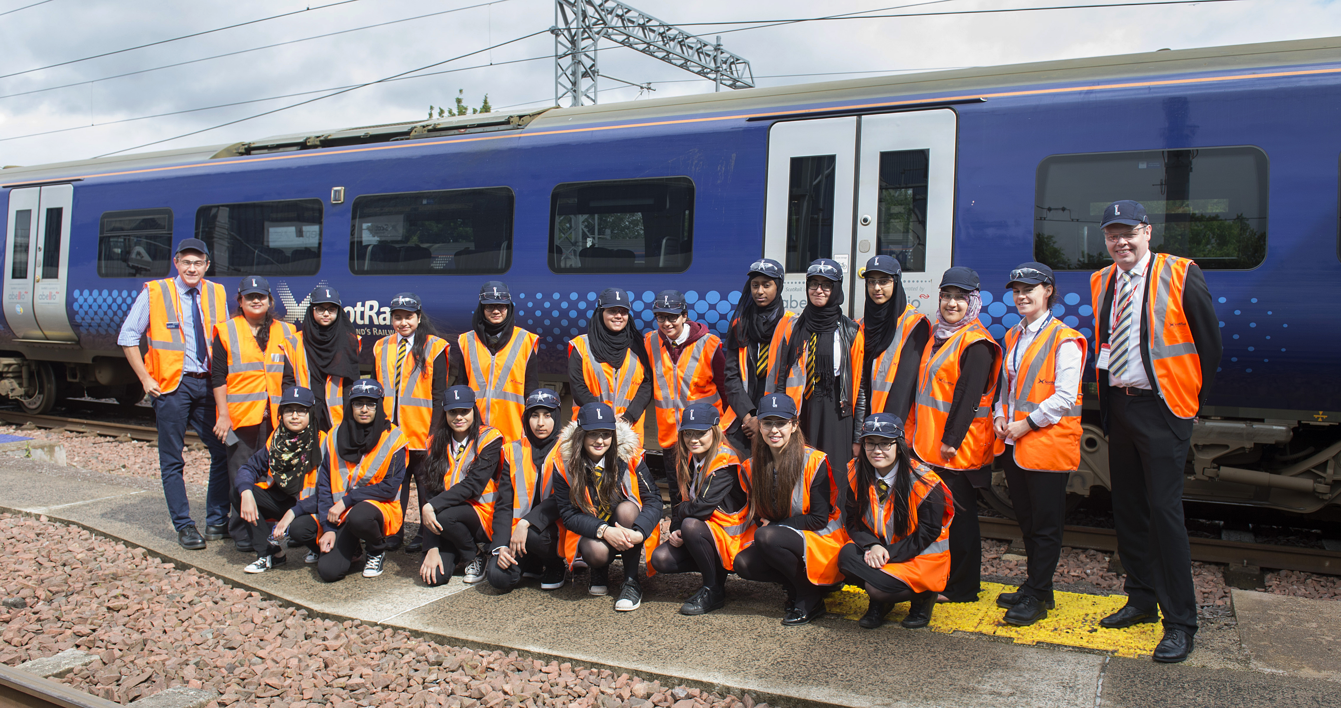 23/06/17 - 17062310 - SCOTRAIL  SHEILDS DEPOT - GLASGOW  Schoolgirls Visit for 'Women into Engineering' Day Pictured is Fleet Manager Gareth Rollings (L) and Engineering Director Angus Thom (R)