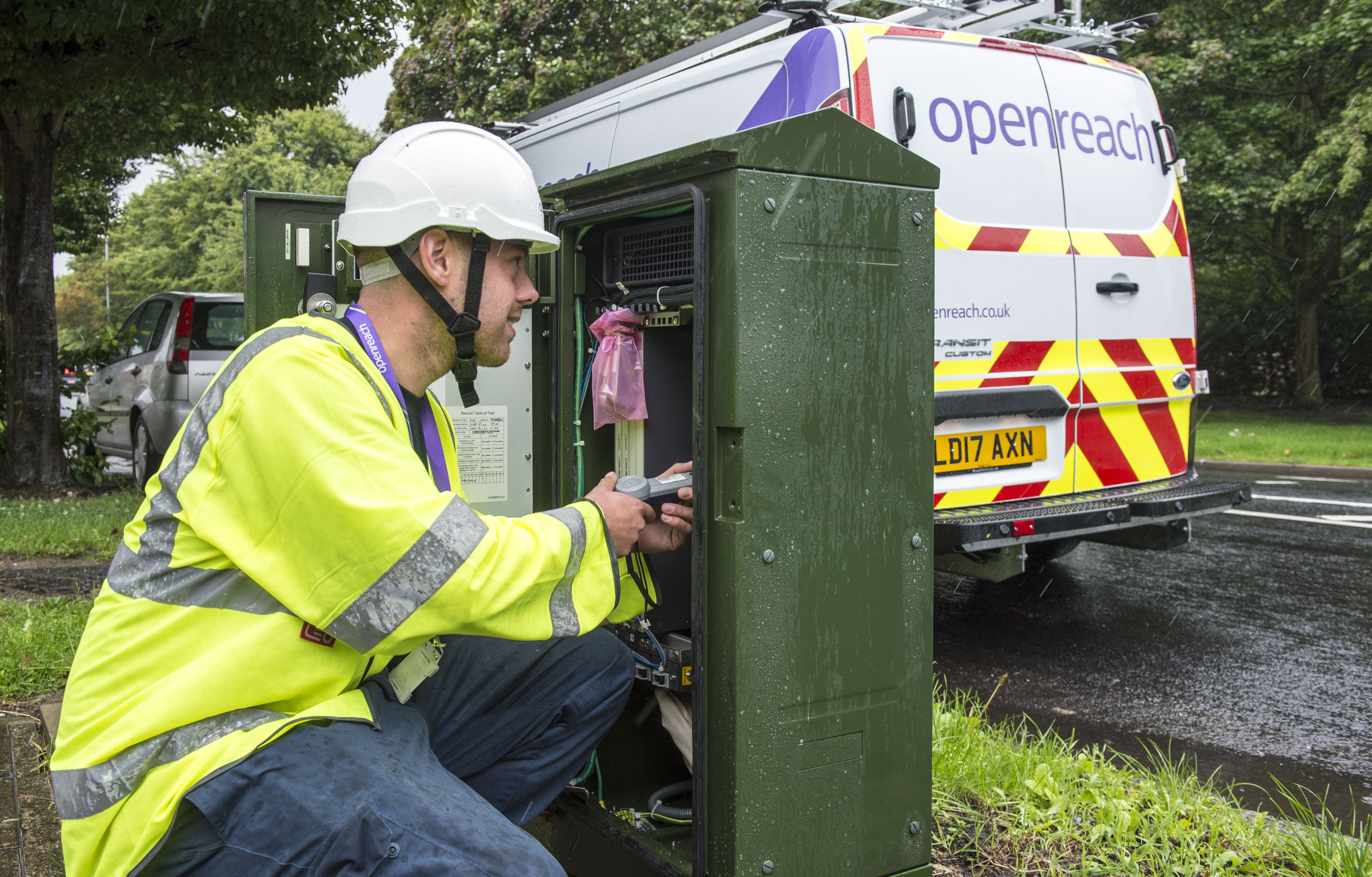 Openreach engineer installing gfast technology