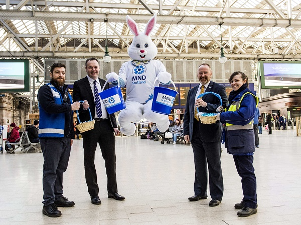 29/03/18 - 18032902 - SCOTRAIL GLASGOW CENTRAL - GLASGOW Scotrail mark their one year partnership with MND Scotland Pictured (L-R): Scotrail's Arran Peacock, COO of Scotrail Angus Thom, CEO of MND Scotland Craig Stockton and Scotrail's Karyn Hicks