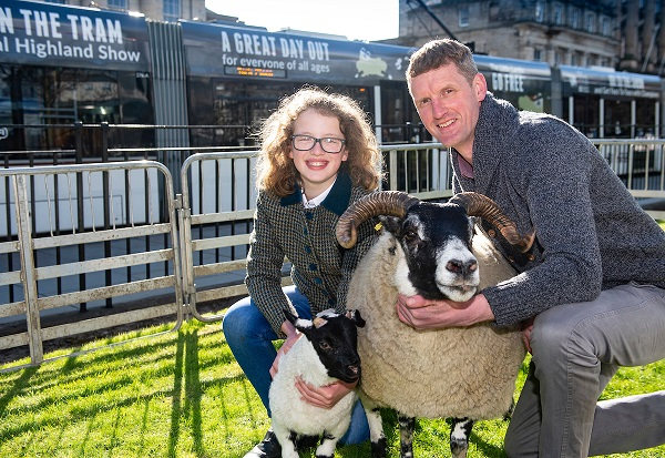 FREE FIRST USE Breeder Malcolm Coubrough and his daughter Emily (11) with Emily the Champion Scottish Black Face Sheep. Emily the sheep is featured on Edinburgh trams promoting the Royal Highland Show. Lenny Warren / Warren Media 07860 830050 0141 255 1605 lenny@warrenmedia.co.uk www.warrenmedia.co.uk All images © Warren Media 2018. Free first use only for editorial in connection with the commissioning client's press-released story. All other rights are reserved. Use in any other context is expressly prohibited without prior permission.
